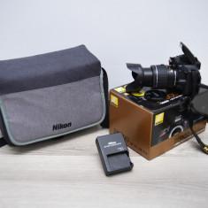 VAND URGENT NIKON D5600 + Parasolar Nikon HB-N1 + Geanta Nikon Cadou
