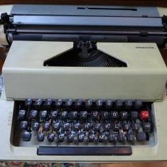 Masina de scris REMAGG Functionala Vintage Stare foarte buna