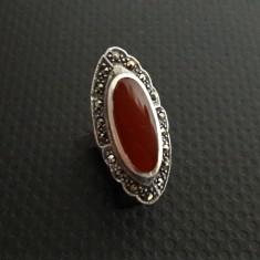 inel vechi de argint cu carneol si marcasite