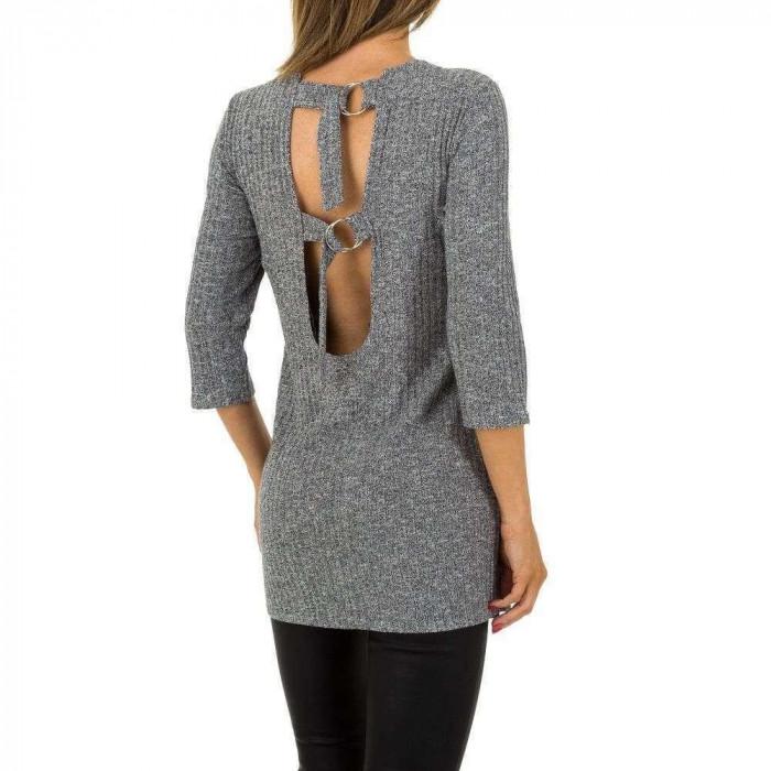 Tunica tricotata, cu decupaj adanc, la spate