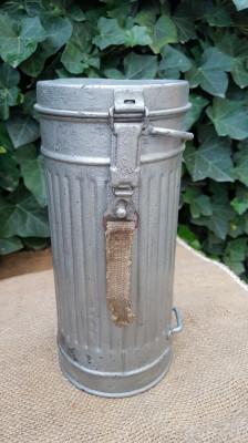 Cutie de masca de gaze germana WW2 foto