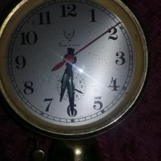 Ceas vechi mecanic de masa Ceas mare cu sonerie dedesupt,blocat,T.GRATUIT