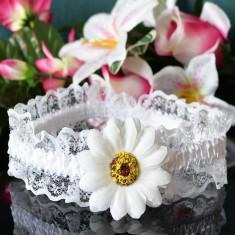 Bentita alba din dantela cu floarea soarelui