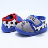 Cumpara ieftin Papuci interior baieti, albastru gri, model Fotbal585