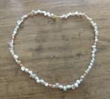 Colier perle de cultura (apa dulce) albe si coral roz