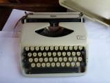 Masina de scris TRIUMPH Tippa