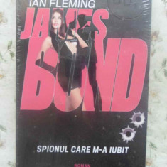 JAMES BOND. SPIONUL CARE M-A IUBIT - IAN FLEMING
