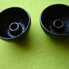Pereche de sfesnice din fonta
