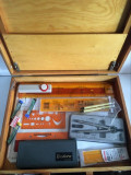 * Trusa desen tehnic in geanta de lemn cu suport pt coala, sabloane Rotring