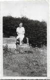 B142 Tanara femeie . Brasov 1937