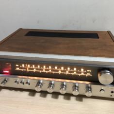 Amplituner Realistic STA-52B Receiver FM/AM Tuner Amplificator Radio