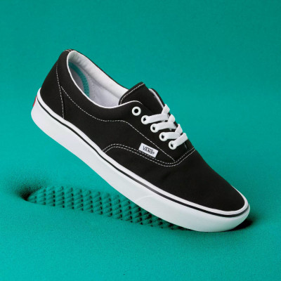 Shoes Vans Era ComfyCush Classic Black/True White foto
