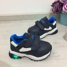 Adidasi albastri cu luminite beculete LED pt copii baieti 24 25 26 27