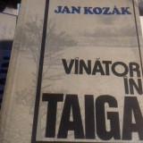 VANATOR  IN TAIGA - JAN KOZAK, ED ALBATROS 1983 368 P STARE BUNA