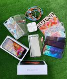 Iphone 6S 64GB, 2 folii sticla si 11 huse incluse