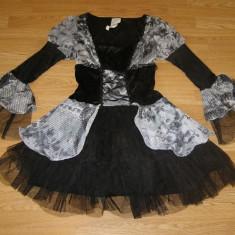 costum carnaval serbare rochie medievala printesa pentru adulti marime M