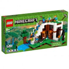 """LEGOA® Minecrafta""""¢ Baza de la Cascada 21134"""
