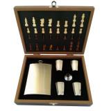 Set cadou tip sah pentru barbati, 1 x sticla whiskey, 4 x pahare shoturi, palnie, Cadouri pentru barbati