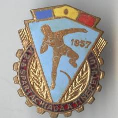 Insigna A 2a SPARTACHIADA A TINERETULUI - 1957 - SUPERBA