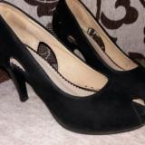 Pantofi eleganti, Negru