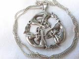 MEDALION argint THE CELTIC HOUNDS DOGS opulent SEMNAT splendid pe Lant argint