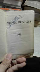 Agenda medicala 1957 foto