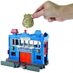 Set De Jucarii Hot Wheels City Downtown Police Station Breakout, Mattel