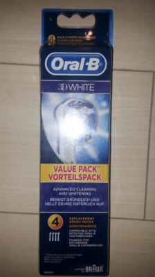 Set 4 rezerve Oral B Braun 3D white nou foto