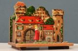 Pusculita veche in forma de castel cu personaj - Germania - anii '70