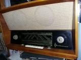 Aparat radio ORIZONT-ELECTRONICA,Aparat radio vechi pe lampi de colectie,masiv
