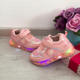 Adidasi roz usori cu luminite beculete LED pt copii fete 22 23 24