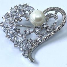Brosa Divine Heart