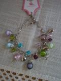 Bratara cu margele sticla Murano, plastic si elemente metalice