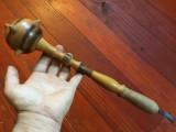 Suvenir / Decor / Vintage - Buzdugan din lemn model deosebit pentru panoplie !
