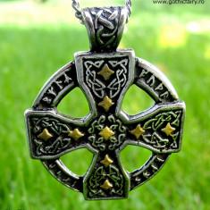 Pandantiv viking Cruce celtică cu rune