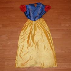 costum carnaval serbare alba ca zapada pentru copii de 7-8 ani