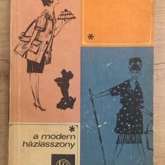Á. Lőrinczy Jolán - A modern háziasszony - 1114