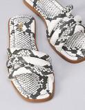 Cumpara ieftin Sandale imitatie piele sarpe alb-negru, M. 39, NOI Transport Gratuit