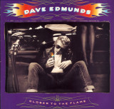 Vinil Dave Edmunds – Closer To The Flame  - (VG+) -