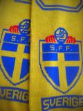 HOPCT  FULAR SPORTIV FOTBAL SUEDIA / SVERIGE WORLD CUP 2002 SFF ECHIPA NATIONALA