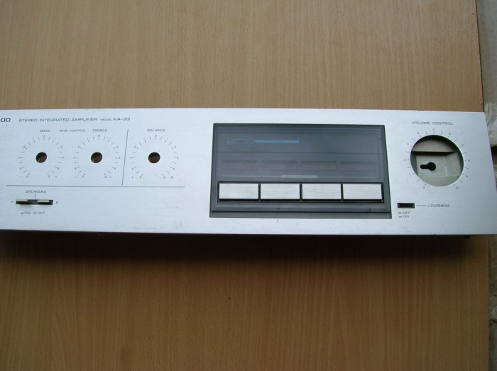 masca fata amplificator Kenwood