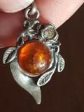 Rusia CHIHLIMBAR BALTIC medalion si lantisor argint 925 confectionat manual
