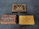 Lot 3 cutii vechi de lemn.