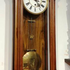 Ceas de perete cu pendul anii 1900