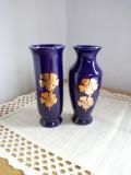 Lot de 2 vaze mici de cobalt cu flori aurii