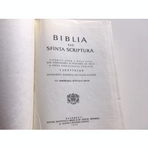 BIBLIA 1975 SUB INDRUMAREA PATRIARHULUI JUSTINIAN
