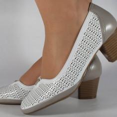 Pantofi albi cu gri perforati (cod 028447)