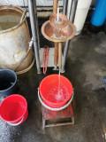 Vand tuica de casa