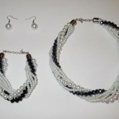 Set colier,bratara si cercei din perle