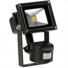 Proiector LED cu senzor miscare 50W. COD: PSENZ50W ManiaCars